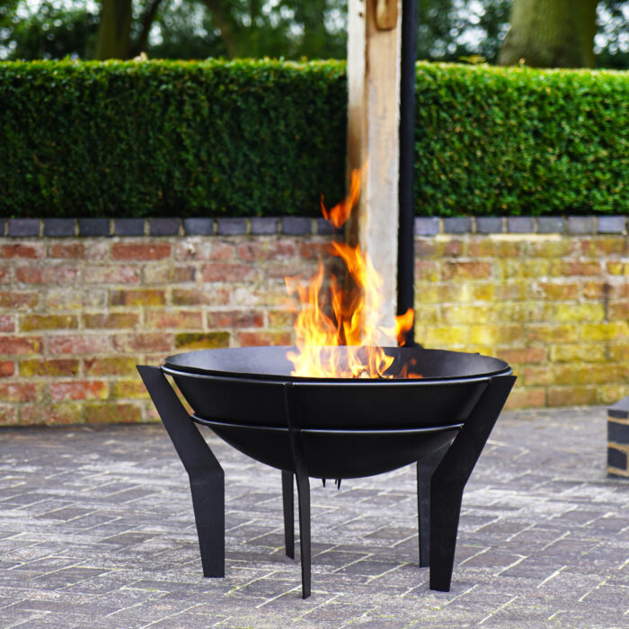 Outdoor Metal Kendal Fire bowl on Stand – Black